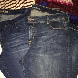 Skinny jeans 👖 2 pair